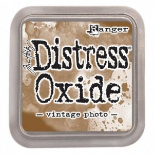 Distressed Oxide: Vintage Photo